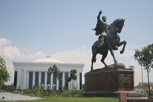 Statue of Timur on horseback in the Uzbek capital, Tashkent. The face is based on the facial reconstruction done by the team that excavated his body in 1941, but an injury to his leg in his youth left Timur unable to ride a horse, so that part is phony.