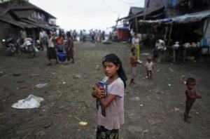 A Rohingya girl in a refugee camp in Bangladesh (via)