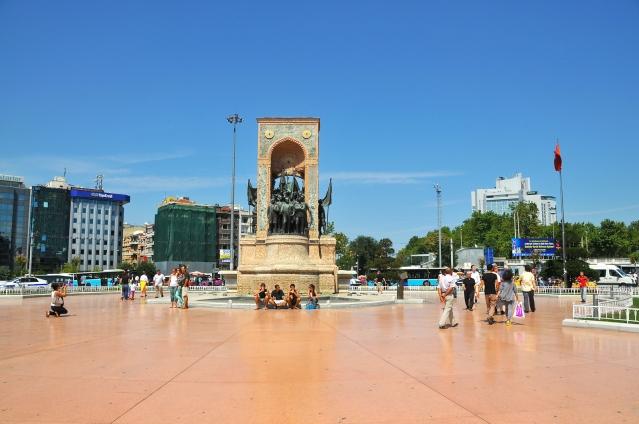 taksim_square_2012