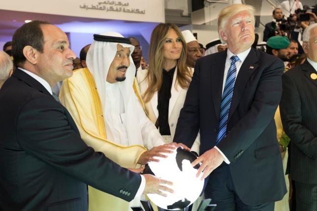 abdel_fattah_el-sisi2c_king_salman_of_saudi_arabia2c_melania_trump2c_and_donald_trump2c_may_2017